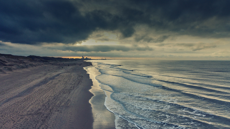 The Beach... - Een foto uit een drone (djimini).