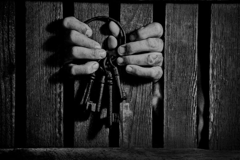 Now way out...II - gevangen