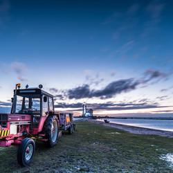 Tractor bij het Paard van Marken