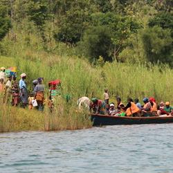 Taxi op Lake Kivu