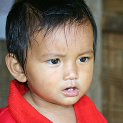 Jongen, Laos