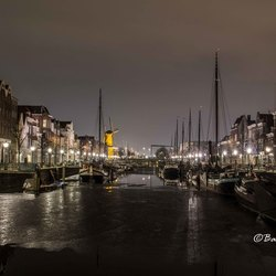 Delfshaven at night