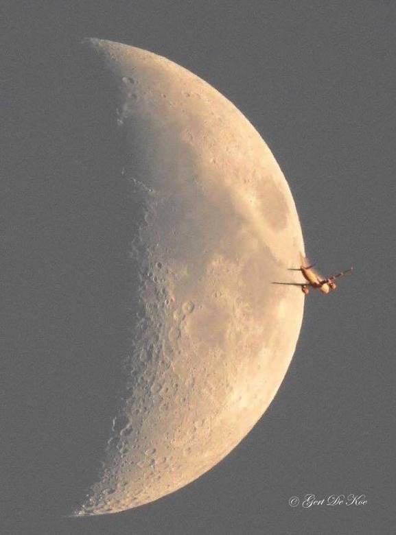 flying to the moon 2