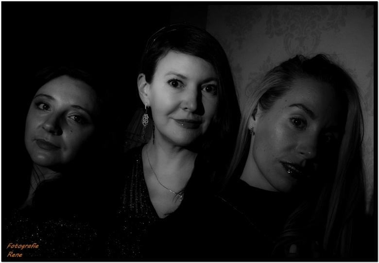 Drie vriendinnen - Helaas was de 4e er niet bij. <br /> Ondanks dat ze uitgezworven zijn , Nederland , Italië en Spanje en er nog 1 in Rusland woont