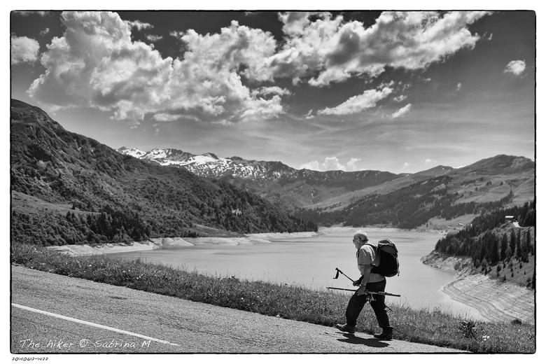 The hiker - Da man had nog een hele klim voor de boeg maar hij gaf duidelijk de moed niet op.