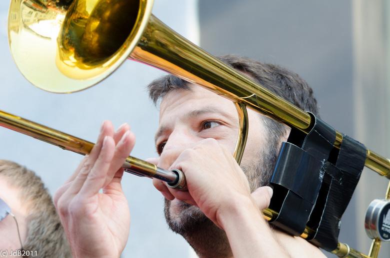 Jazzfestival Breda - Trombonist - Deze trombonist droeg op energieke wijze bij aan een geslaagde zoom meeting tijdens het jazzfestival Breda, gekenmer