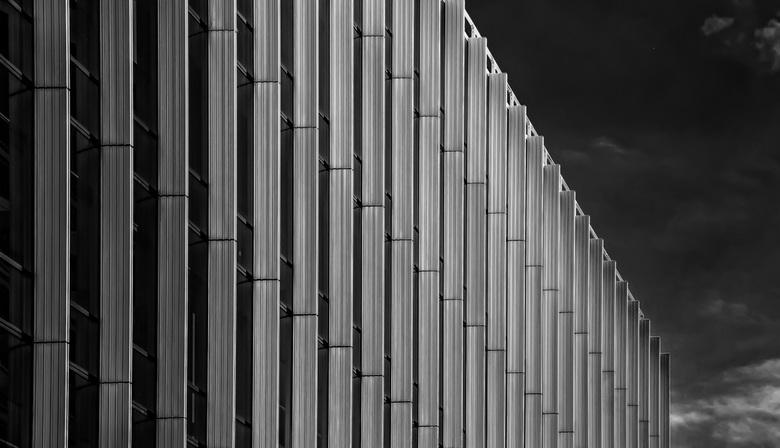 Bewerking: Zuidas-9 - De Vinoly-toren aan de Amsterdamse zuidas heeft vele uitdagingen voor de &quot;arch.fotograaf&quot; . <br /> <br /> Allen beda