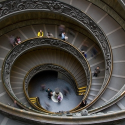 Spiral staircase in het Vaticaans Museum