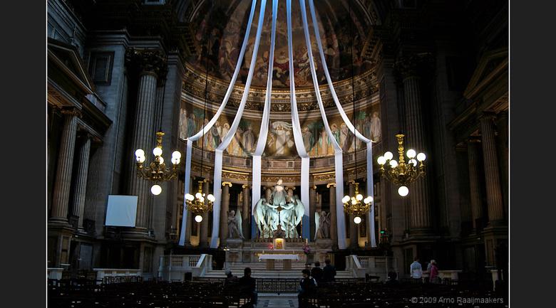 Parijs Egl.delaM 02 - Deze serie foto&#039;s is gemaakt in en bij de Eglise &#039;de la Madeleine&#039; in Parijs. <br /> Deze kerk wordt met name do