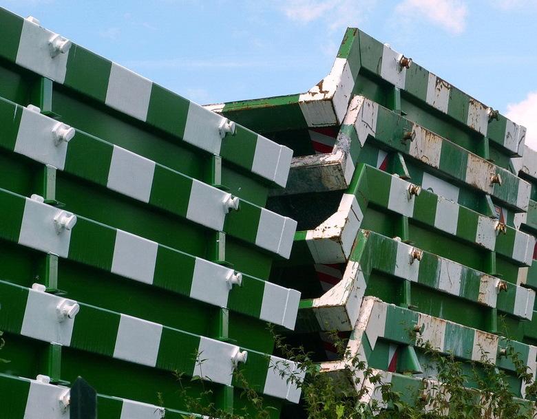 Amsterdam Rijnkanaal en omgeving 387. - Containers langs het Amsterdam Rijnknaal.<br /> 22 juli 2012.<br /> Groetjes, Bob.