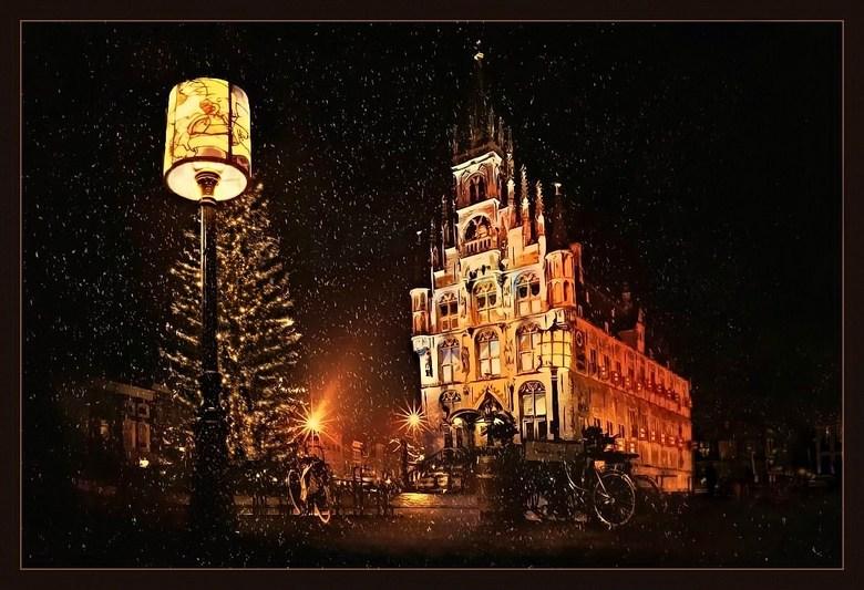 Gouda by candlelight - Stadhuis <br /> <br /> <br /> FIJNE FEESTDAGEN EN EEN GELUKKIG NIEUWJAAR!<br /> <br /> Voor alle zoomers de beste wensen v
