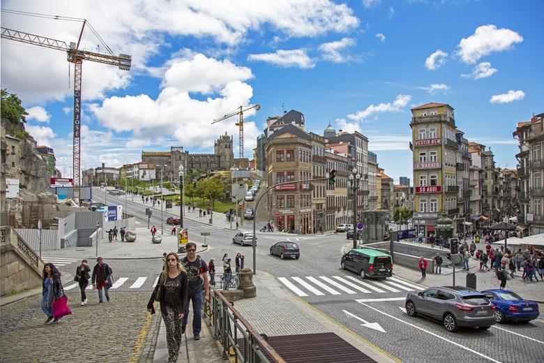 Portugal 27 - Straatbeeld aan de rand van het centrum van Porto.