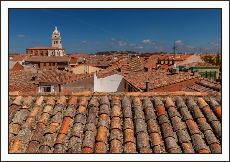 pannendaken of dakpannen - uitzicht over Tordesillas in Spanje vanaf het dak van de kerk San Antolin<br /> <br /> http://corrieruijer.werkaandemuur.