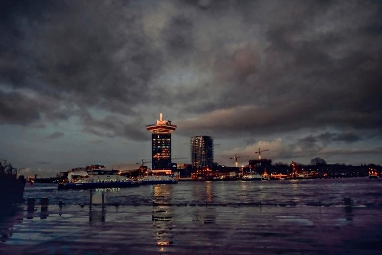 IJ Kant - groot zien aub<br /> <br /> voor mij de mooiste kant van Amsterdam en gratis ponten