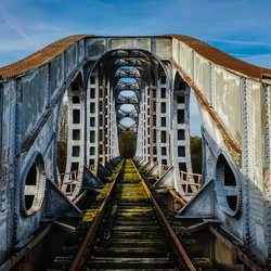 Verlaten spoorbrug
