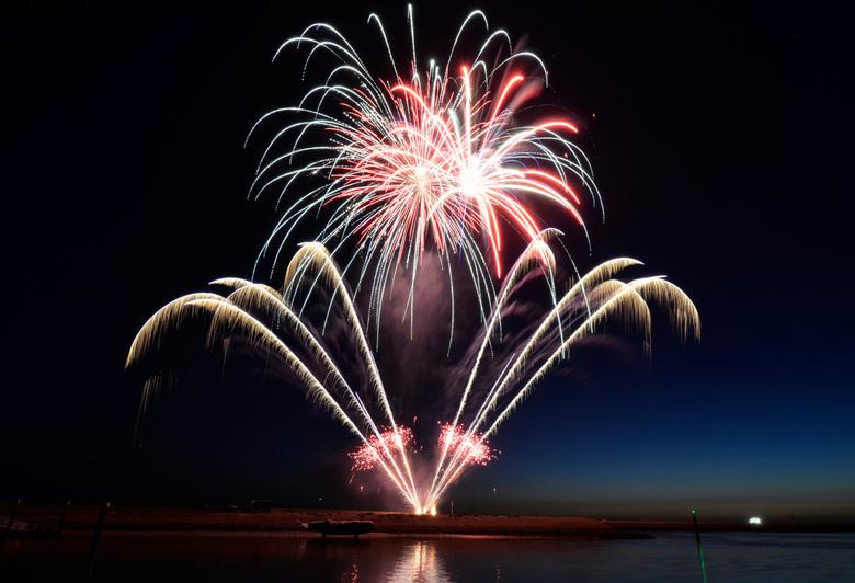 Vuurwerk Harlingen - Deze foto heb ik gemaakt tijdens de visserij dagen in Harlingen waar een mooie vuurwerk show werd gegeven.