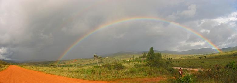 Gran Sabana - Prachtige regenboog aan het einde van Venezuela.