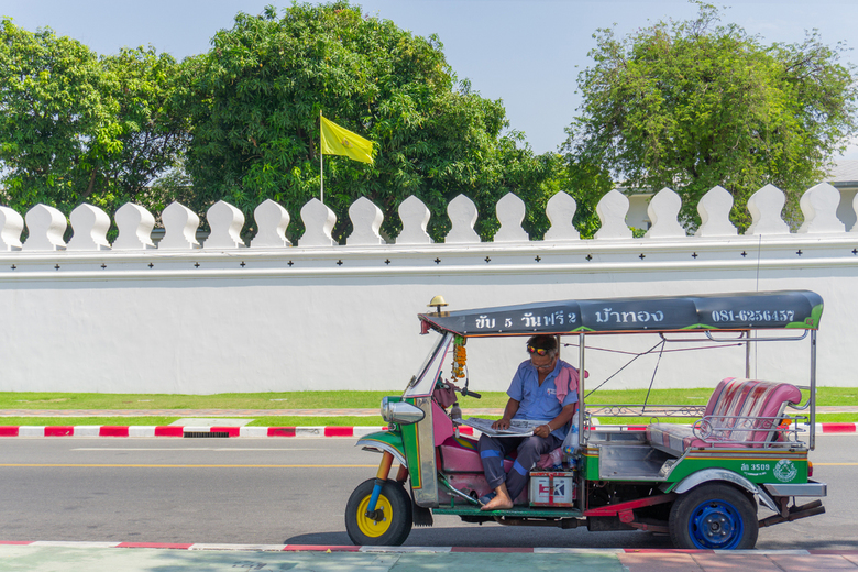 TukTuk in Bangkok - Mijn eerste upload, een tuktuk in bangkok.<br /> <br /> iso 100/27mm/f4,5/1/400
