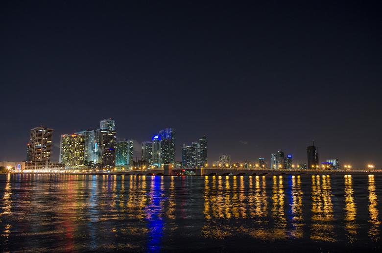 Miami - Skyline by night -