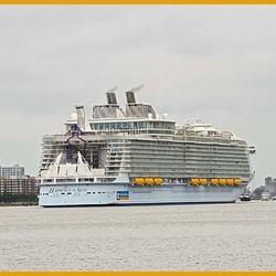 Harmomy of the Seas (Achteruit  Rotterdam verlaten)_DSC3756