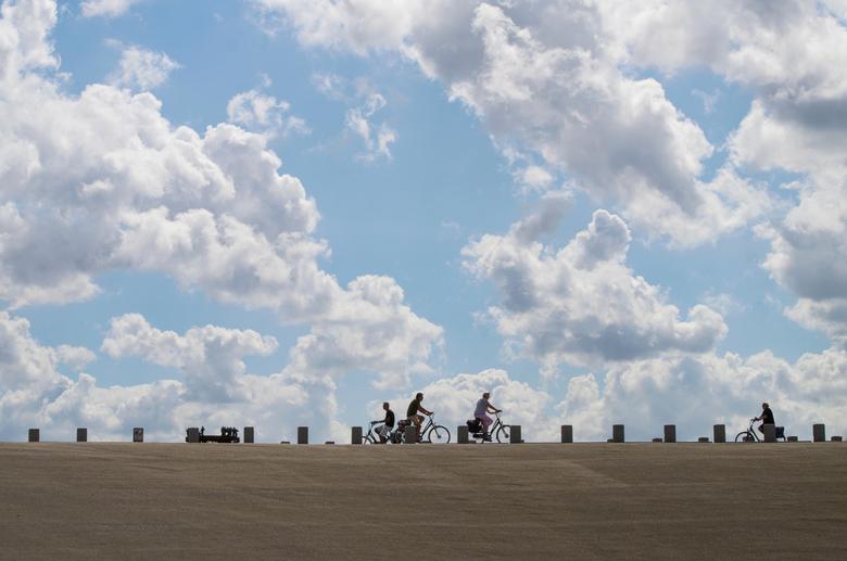 Onderweg - Gisteren een heerlijke dag in Katwijk gehad met Doris, Karin en Brigitte.<br /> De bedoeling was om te oefenen met lange sluitertijden, ma