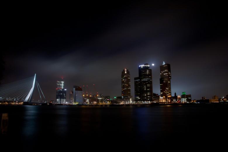 Rotterdam by night - Mijn eerste ervaringen met nachtfotografie