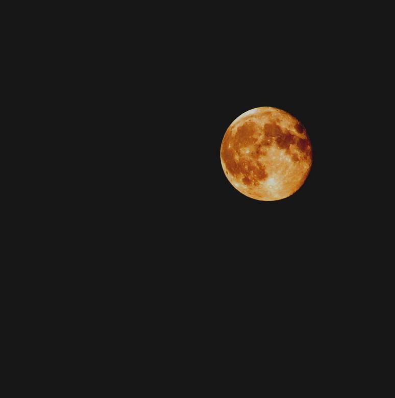 maan - ietsjes bewerkt