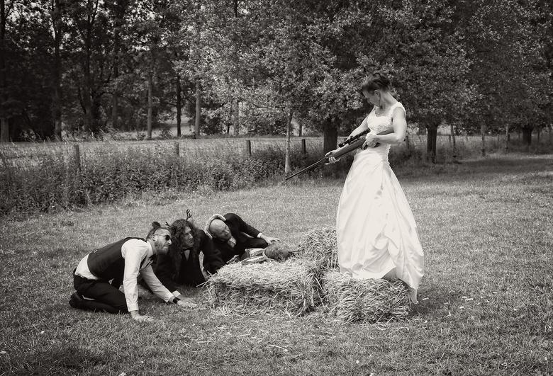 Op jacht naar nieuwe mannen - Het huwelijks feest van de kabouter<br /> location shoot on demand