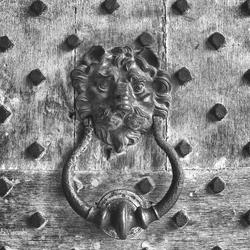 Doorknocker black and white