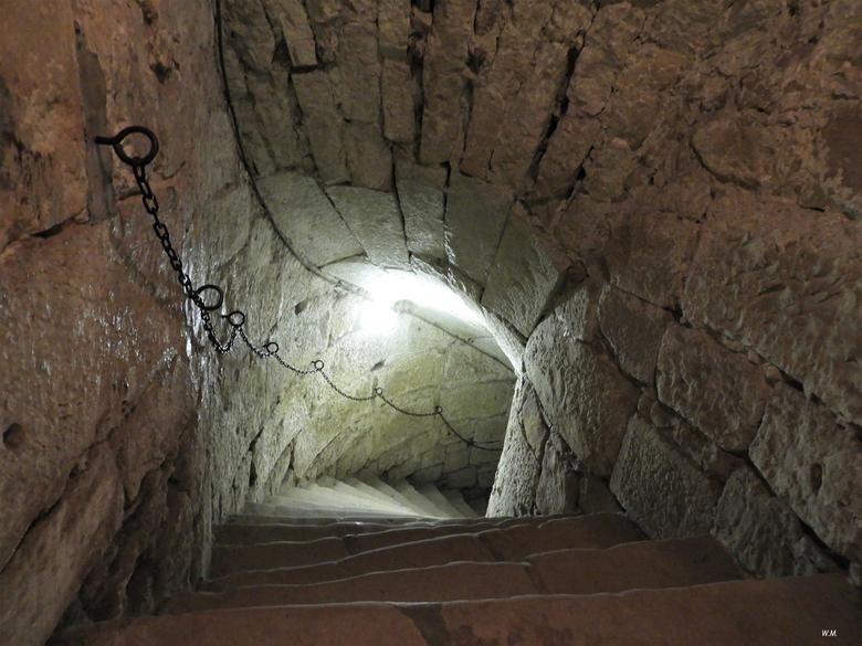 Eeuwen oude trap - Eeuwen oude trap naar de kerkers in het kasteel Bentheim in Bad bentheim.