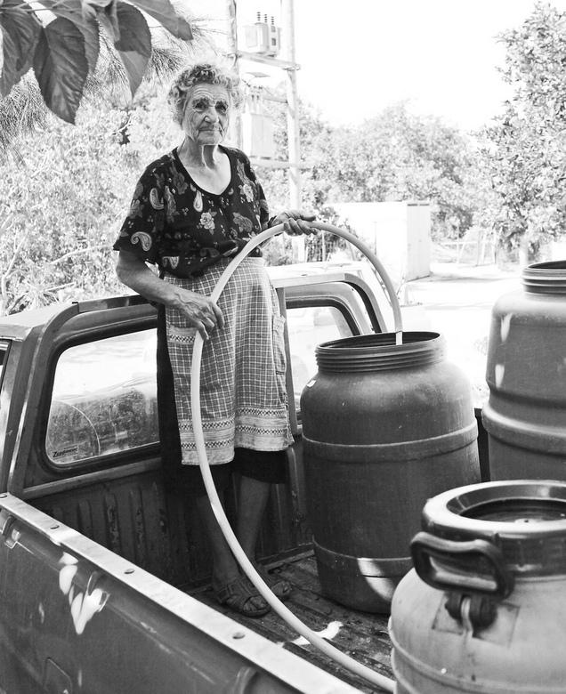 Griekse wijn.jpg - Bij deze griekse familie wordt de lekkerste Rose wijn van Kreta gemaakt!