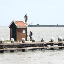 op de pier in Volendam