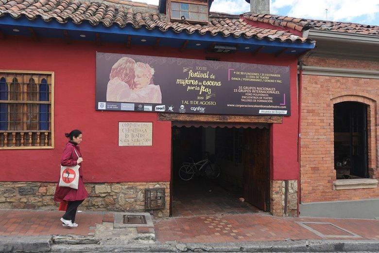 Colombia,Bogota - Straatscene uit Bogota,la Candelaria