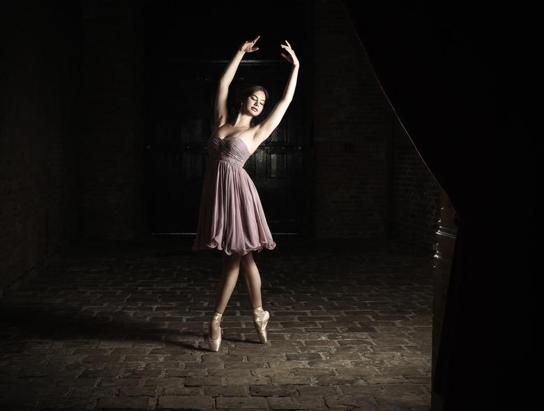 Ballerina Iris  -