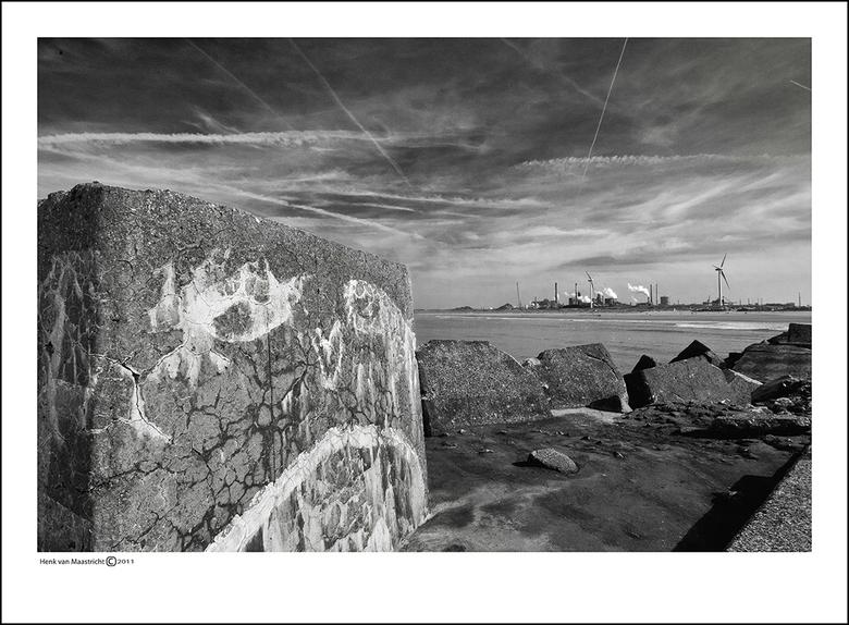 Wijk aan zee-02 - Ja met zicht op de hoogovens natuurlijk.