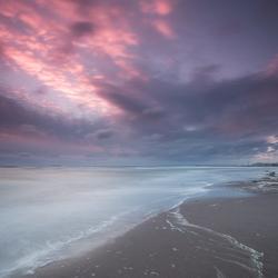 Magische wolken aan de kust van Schotland
