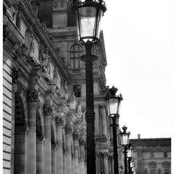 Bij het Louvre