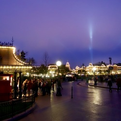 disneyland@night
