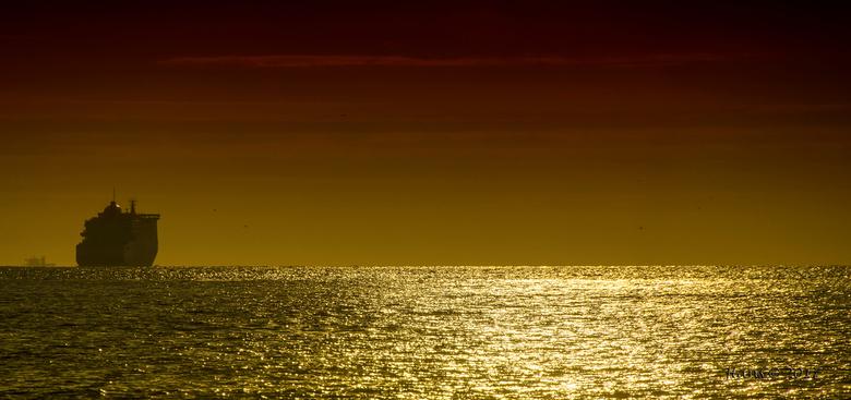 zonsondergang - Al een oudere foto, bewerkt met NIK filters.