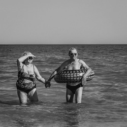 Zwemmend echtpaar