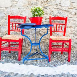Taverna Ouzeri: I love its look and feel!