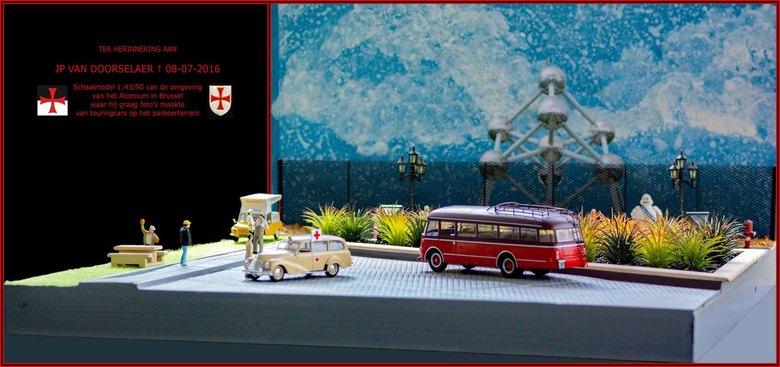 Moduul omgeving Atomium Brussel - Schaalmodel 1:43/50 - Ter herinnering aan JP Van Doorselaer