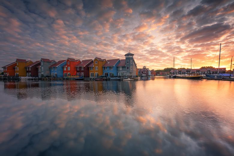 The spot - Op een kwartier afstand van huis ligt 1 van de meest gefotografeerde haven van Nederland. En toch kijk ik er een paar keer jaar om een foto
