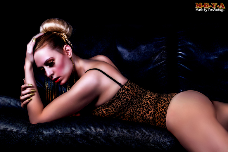 Glamour Picture  - Ik ben zelf erg trots op deze foto !! <br /> <br /> Fotograaf Yvo Ambags<br /> <br /> Model:<br /> Modelnaam : Luna-Kissy<br /