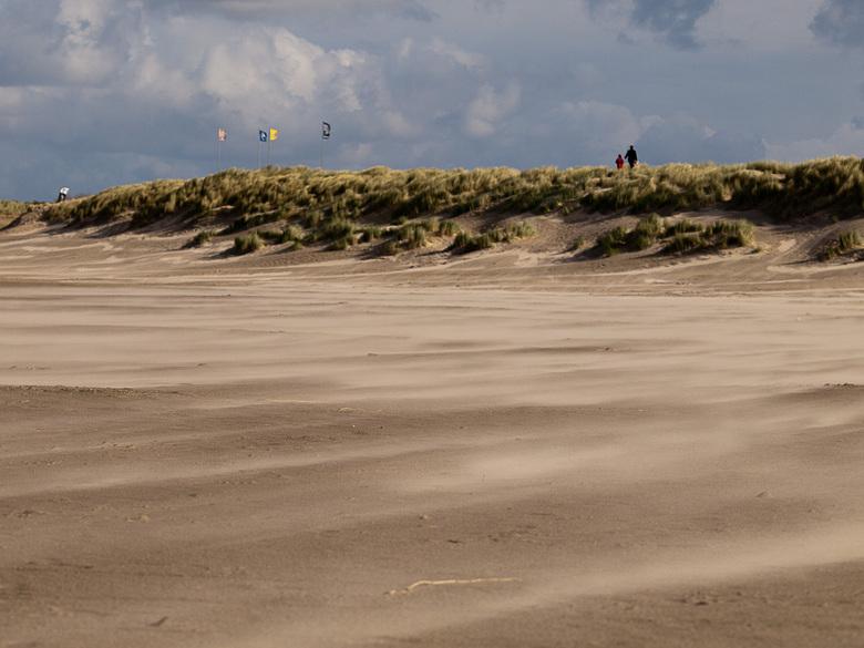 Uitwaaien op de Grevelingendam - Windkracht 6 aan de Grevelingendam, Noordzeezijde.