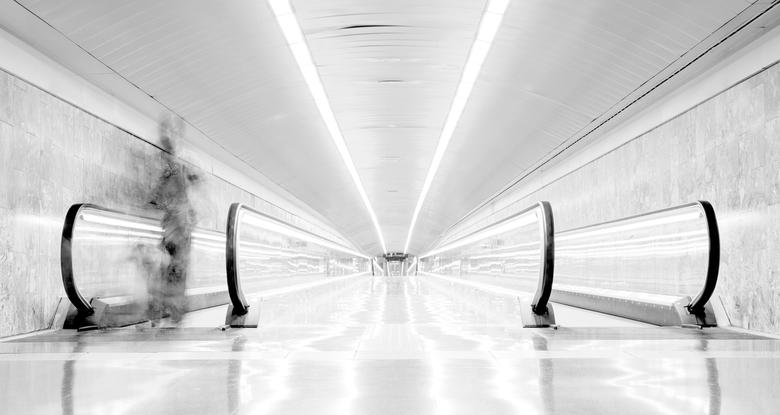 El Coll / La Teixonera - Geschoten in Barcelona, metrostation 'El Coll | La Teixonera´. Ligt 74 meter onder de grond en is daarmee het diepst gel
