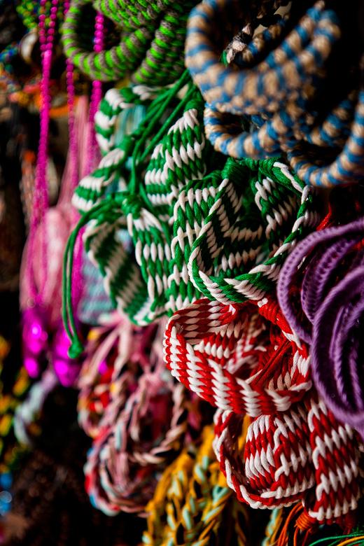 Bracelets - Foto genomen op in lokale markt in Berastagi, Sumatra, Indonesië.<br /> <br /> Canon EOS 40D @ ISO 400, 1/125th sec<br /> Canon EF-s 17