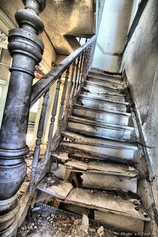 Maison Ortie #2 - Vorige week samen met evh-fotografie een kijkje genomen in dit vervallen huis.<br /> Jee, zo ernstig dat we de trap niet op durfden