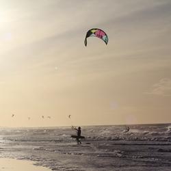 Kitesurfer in Katwijk (2)