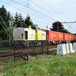 P1460684 Overweg Geldrop zuid  Captrain Dieselloc 22aug 2017